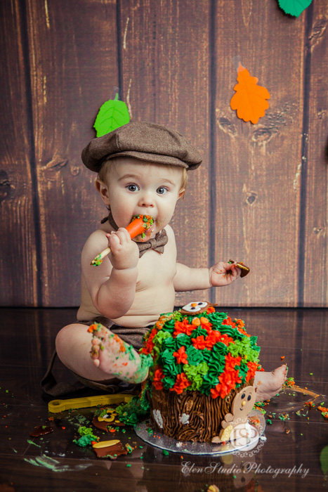 39_cake-smash-photographer-derby-Elen-Studio-Photography-32