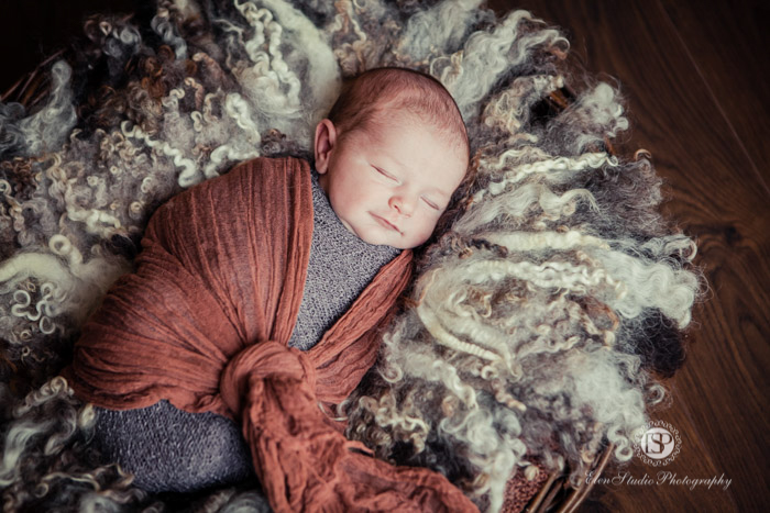 nottingham-newborn-photographer-Elen-Studio-Photography-01