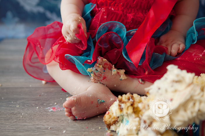 Cake-smash-photographer-derby-CHCS-Elen-Studio-Photography-13
