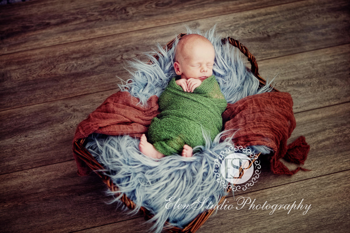 Newborn-Photographer-Derby-ORW10-Elen-Studio-Photography-022