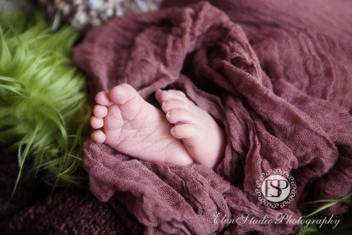 Newborn-photography-studio-Derby-LW-Elen-studio-photography--003
