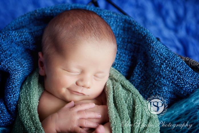Newborn-photography-studio-Derby-LW-Elen-studio-photography--004