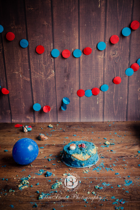 Cowboy-cake-smash-photo-idea-J-Elen-Studio-Photography-web-13