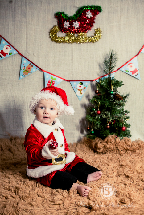 christmas-baby-shoot-in-derby-elen-studio-photography