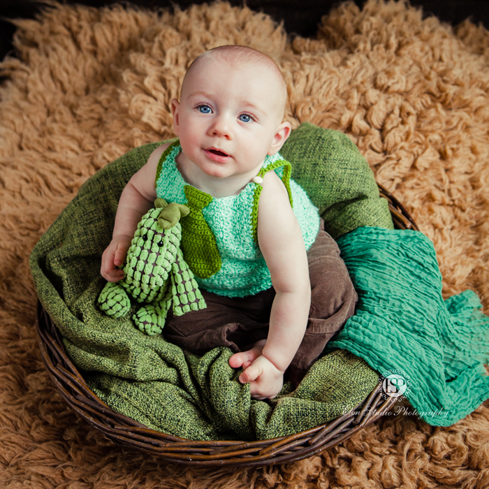 green-brown-baby-boy-photographs-Derby-BG-Elen-Studio-Photography-web-011