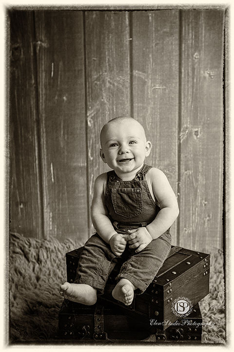 green-brown-baby-boy-photographs-Derby-BG-Elen-Studio-Photography-web-035