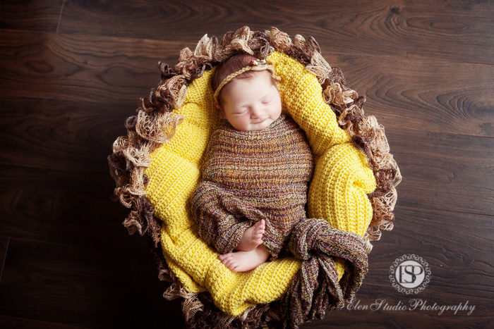 newborn-baby-girl-4-days-derby-Elen-Studio-Photography-024-web